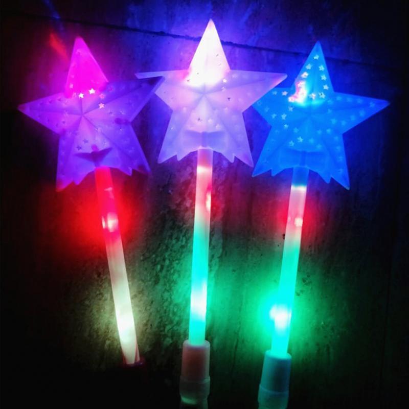 Blinkende Lichter leuchten Leuchtstäbe Magic Star Zauberstab Partykonzert Weihnachten Halloween Kindergeschenk Spielzeug Glowing Fairy Pentagram Flash Stick ^