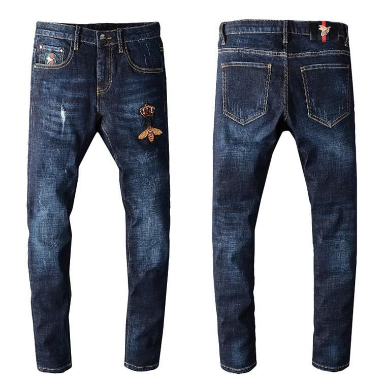 2020Arrival Üst Kalite Marka Tasarımcı Erkekler Denim Biker Jeans Nakış Pantolon Moda Pantolon İtalya yepyeni Moda Jeans Slim Fit