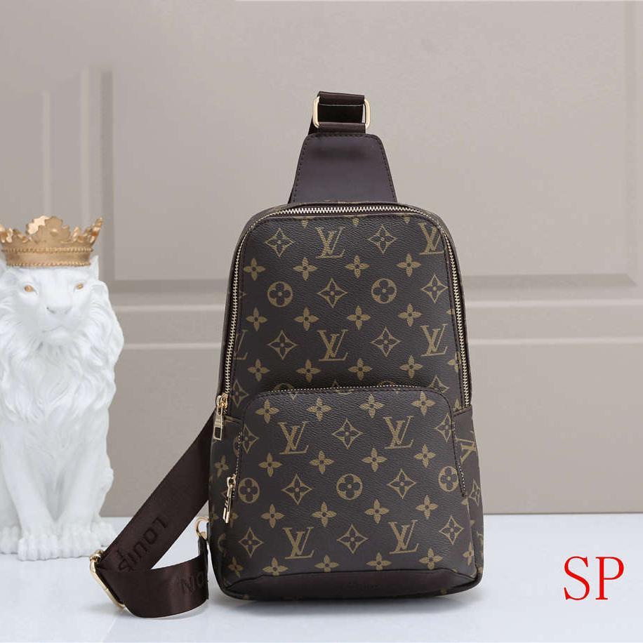 sıcak satış Mens Tasarım Bel Çantası Crossbody Çanta Lüks Fanny Paketi Açık Marka Omuz Çantaları Moda Evrak çantası B102681K