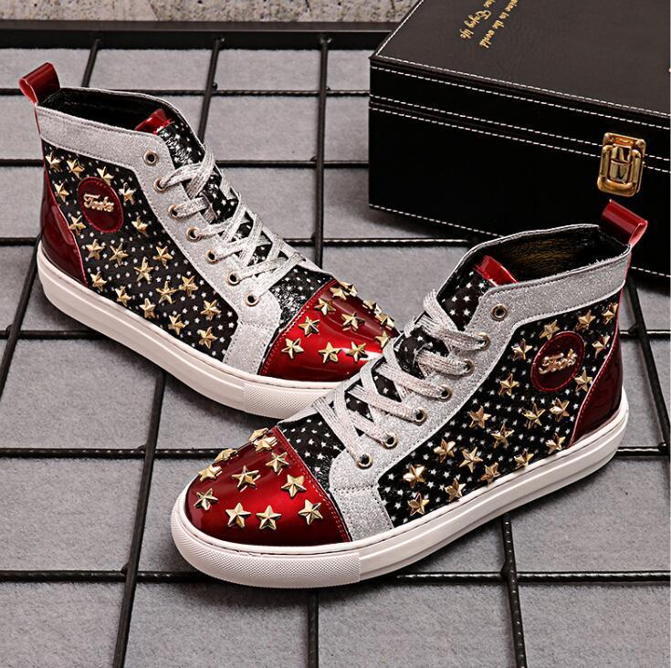 Männer High-Top Schuhe Mode Persönlichkeit helles Leder Nieten Gezeitenschuhe 2019 Herbst neue koreanische Version der wilden Schuhe Männer