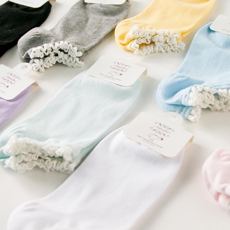 Yeni bahar Yüksek dereceli Kadınlar Çorap Moda Dantel düz renk Çorap Kişilik Harajuku Sanat Pamuk Kısa Komik