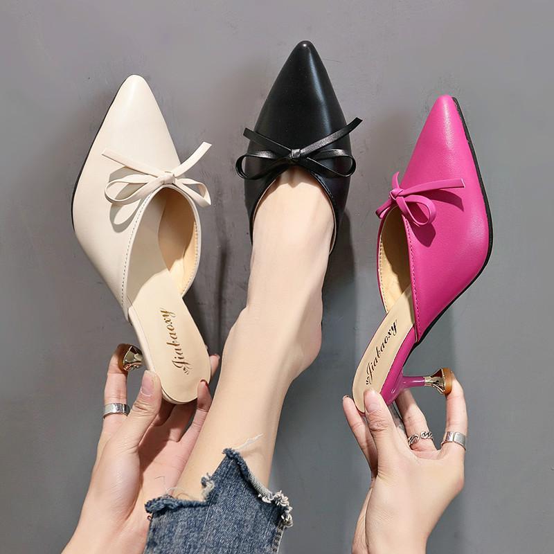 El nuevo verano 2019 de moda versátil zapatillas zapatillas de tacón puntiagudos con arco arco y tul talones son cómodos de usar