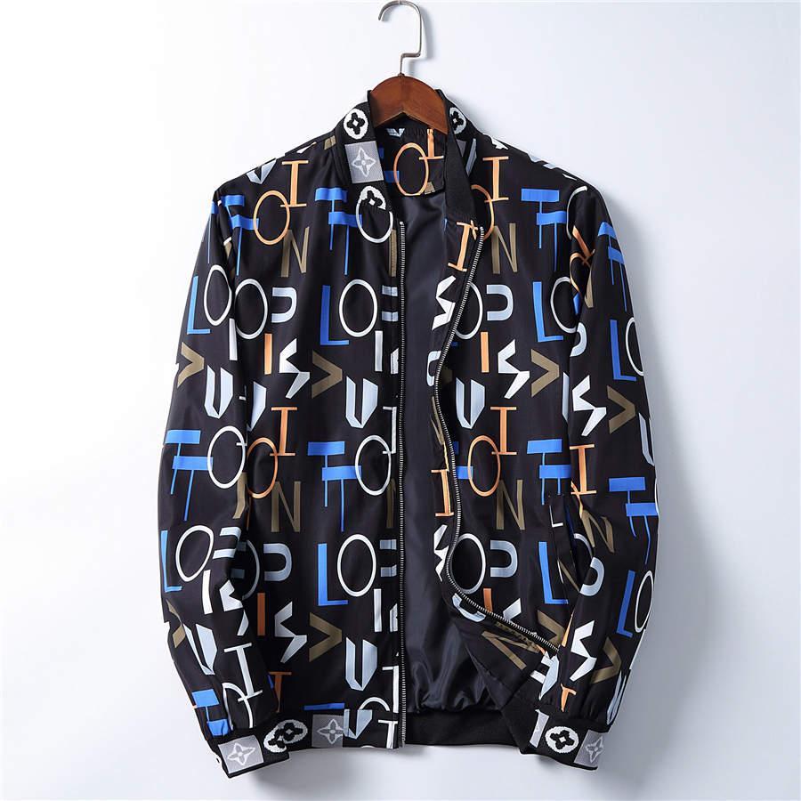 Giacca 2020 Uomo Casual Windbreaker esterno di inverno Streetwear Coat Mens giacca designer Zipper con scollo a V con cappuccio degli uomini di modo Giacche