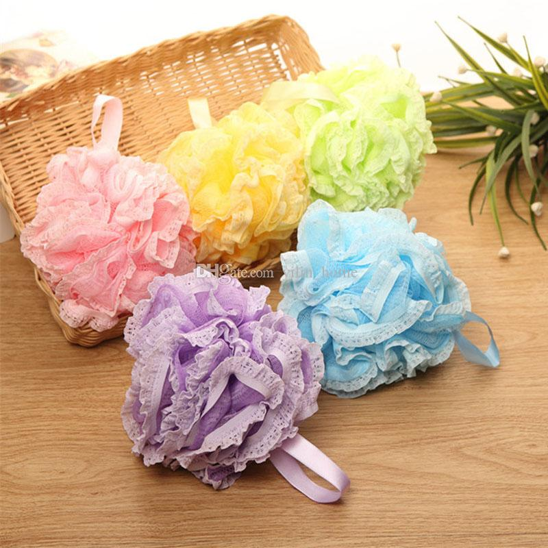 Múltiples colores 50 g Ducha de baño Esponja Puf Loofahs Nylon Malla Cepillo Ducha Bola borde de encaje Malla Baño