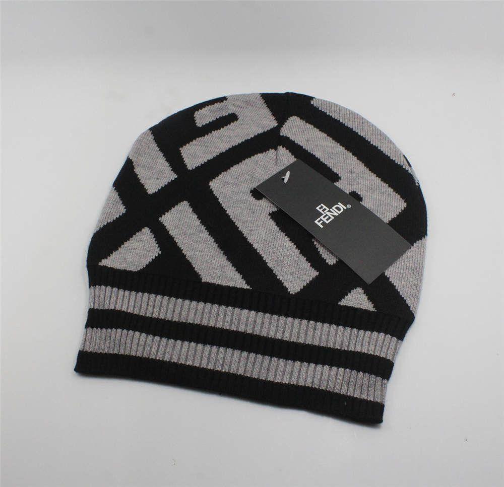 2019 القبعات أزياء الشحن بالجملة مجاني ساخن أنثى الشتاء لطيف قبعة قبعة الخرز الكرة هوك اليد الدافئة السيدات الاكريليك قبعة عالية الجودة