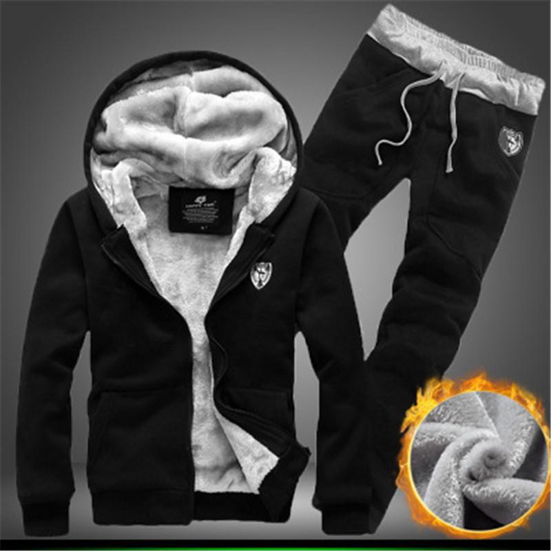 Großhandelsmens-beiläufige Stickerei-Muster Tracksuits Sports Fitness-Qualitäts-Outfits Winter verdicken Tracksuits Kostenloser Versand