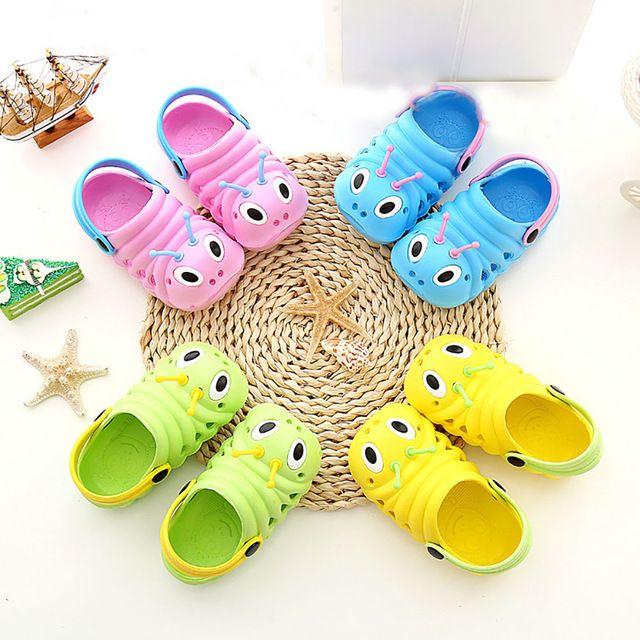 Moda Çocuklar Tırtıl Bahçe Terlik Çocuk Erkek Kız Kayma Lighe Ağırlık Plaj Delik Sandalet Bebek Şeker Ev Açık Ayakkabı