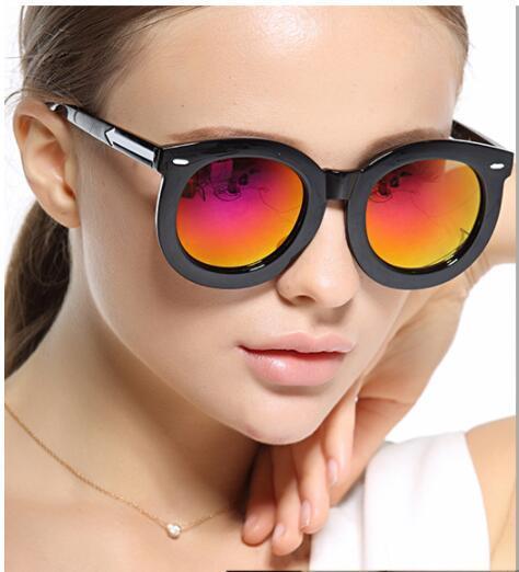 السيدات الجملة العلامة التجارية الجديدة كارين النظارات الشمسية الرجعية إطار جولة السهم فيلم لون النظارات ووكر النظارات الشمسية النظارات الشمسية الجملة الإناث 652