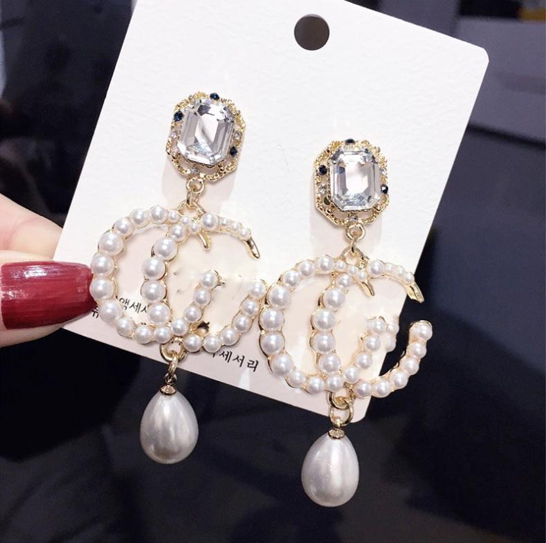 gelin aşk için 2020 sıcak satış moda markası uzun küpe bayanlar inci çift elmas tasarım kadın parti düğün lüks mücevher çiçek hediye