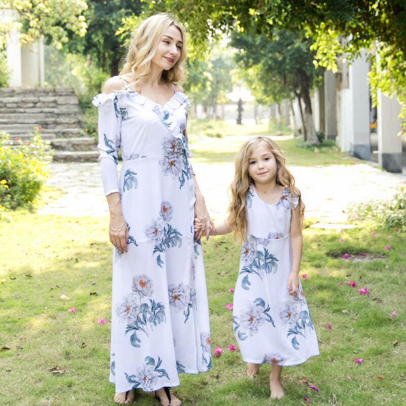 Sommer weg von der Schulter kräuselt Blumen Sling Gerade Mutter und Tochter Outfits Frauen Kinder-Sommer-flroal Kleid Maxi