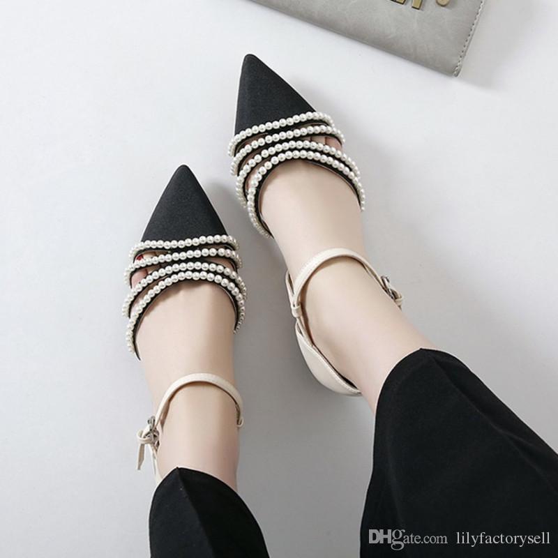 Chinelo Designer Sandali Donna Luxury 2019 Ballengary Perle Cinturino alla caviglia Sandali bassi Mujer Scarpe a punta Décolleté con tacchi bassi