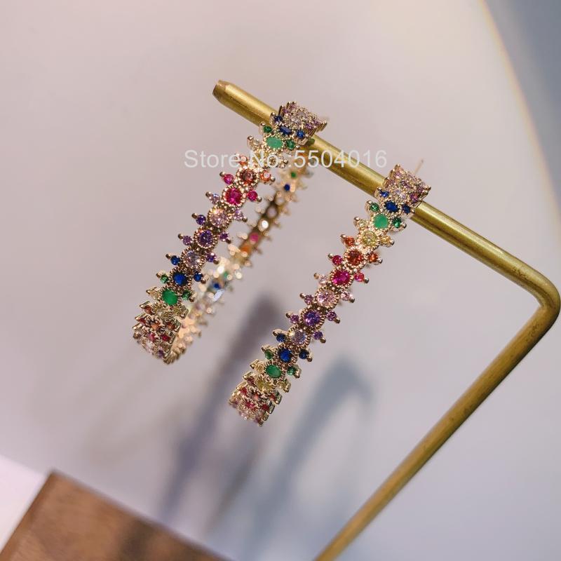 novo chegou mulheres modernas presente senhora do arco-íris micro pave CZ brincos grandes de argola huggie grande lindo faíscas mf cor de ouro jóias