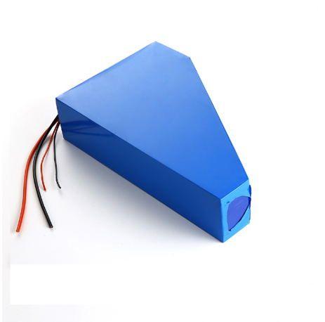 Freie Zollgebühr Dreieckbatterie E-Fahrradbatterie 51.8V 25Ah2000W Elektrorad Li-Ion 52V 25AH Batterie mit 50A BMS und Ladegerät