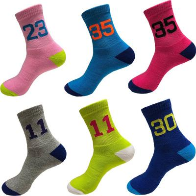 Les chaussettes de basket-ball des hommes élisent les chaussettes de coton pour les hommes épaissis dessous de serviette, absorbant la sueur, désodorisant nombre chaussettes de concepteur