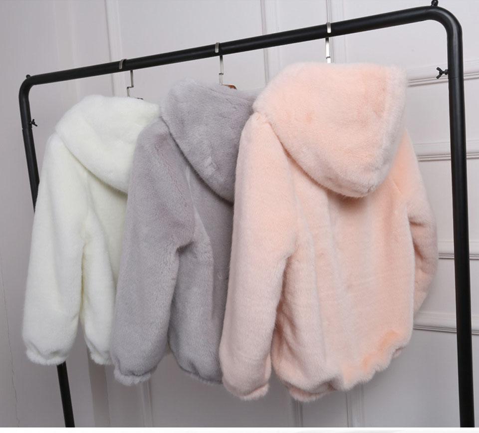 Nouvelle Automne Hiver Femmes en fausse fourrure manteau à capuchon court Outwear en fausse fourrure Manteau C5128