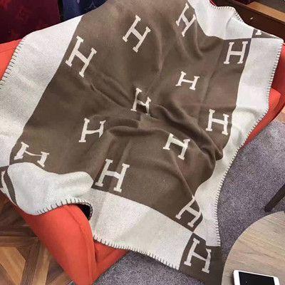 Wearable T-miss inicial de la letra H de la cachemira de punto la manta del tiro de ganchillo de lana a cuadros de sofá / Silla / asiento de amor / autocaravana Mantón Manta