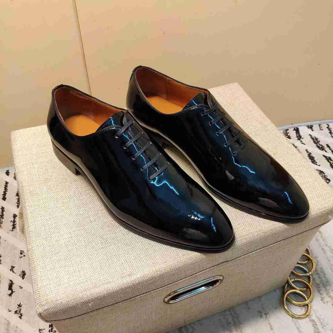 2020 Nouvelle dentelle casual de la qualité des hommes des chaussures de robe de soirée fond plat talon bas en cuir noir 121501