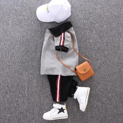 2020 Bebek Yaz Suits Boys Preppy Stil İki parçalı Setleri Çocuk Casual Outdoorwear Çocuk Katı Renk tişört + Şort 2020 Stil Çocuk Bezi