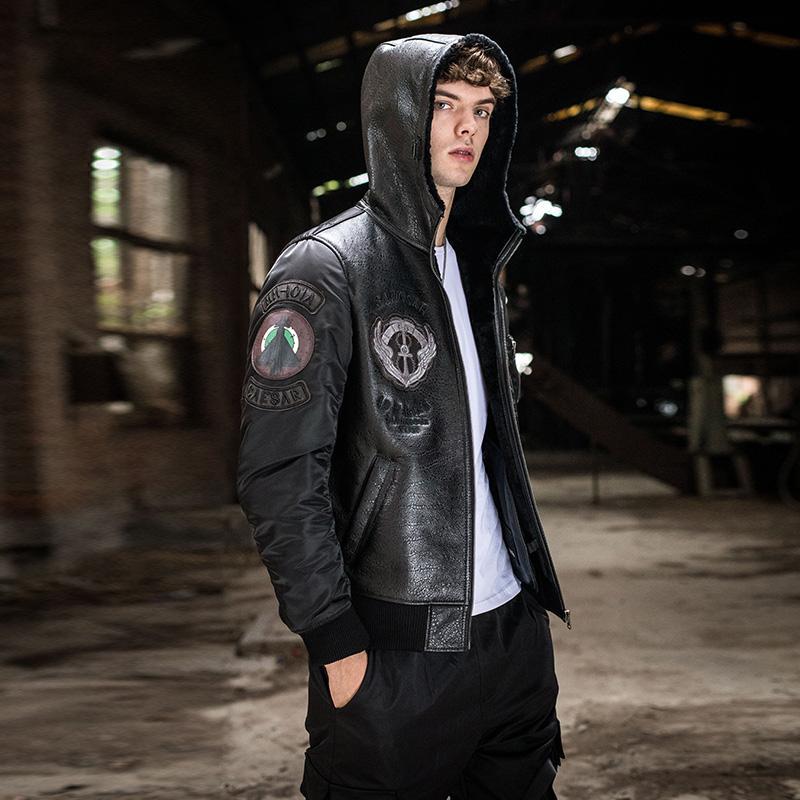 가죽 및 모피에서 한 남성 후드 가죽 천연 양모 양 폭격기 재킷이 두꺼워 정품 짧은 재킷 남성