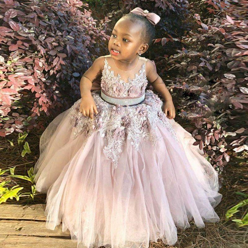 2020 bola de la flor con cuentas de encaje de flores niña vestidos de cuello de O Apliques 3D vestido pequeño vestido de la comunión Nivel falda de tul Niños Ropa formal