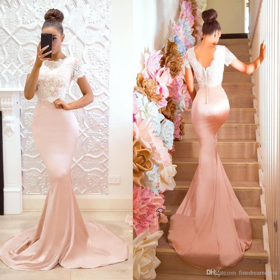 2019 kurzen Ärmeln Satin Meerjungfrau lange Brautjungfernkleider V-Ausschnitt Spitze Applique Plus Size Hochzeitsgast Trauzeugin Kleider mit Knöpfen