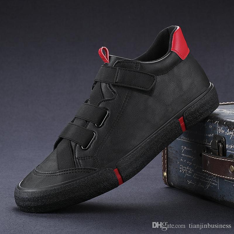 Autunno nuovi uomini vulcanizzare pattini casuali britannici fibbia Luce Sneakers colori misti Moda pigro Mocassino