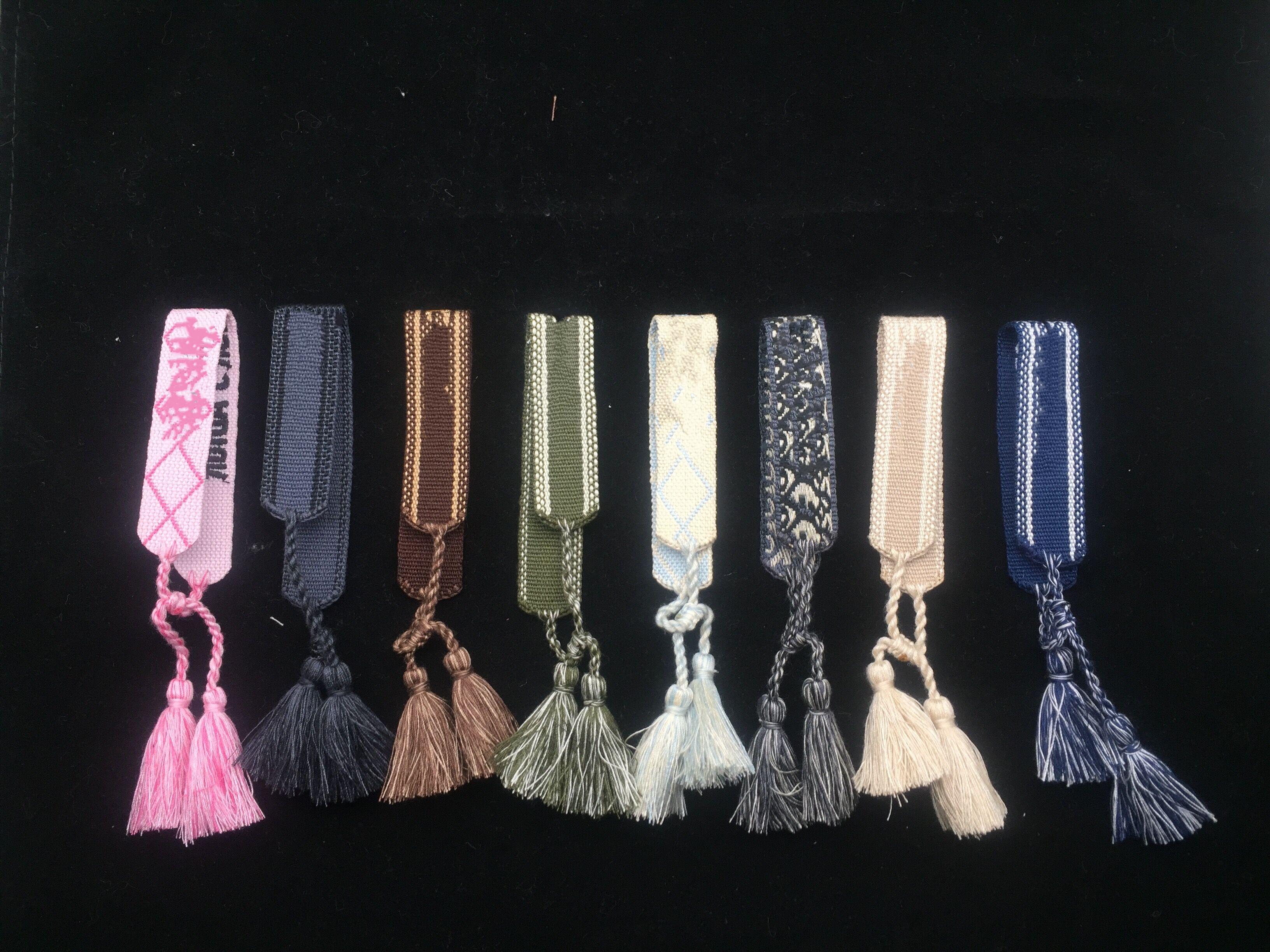 Nuevo tejido de algodón bordado de la borla de la borla del brazalete con cordones pulseras ajustables Festival Joyería de diseñador de la marca