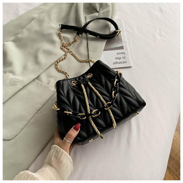 2020 Crossbody Schulter-Frauen-Kurier-Handtasche für Dame Female Sac PU-Leder-Ketten neue Art und Weise einfach Säcke Mode