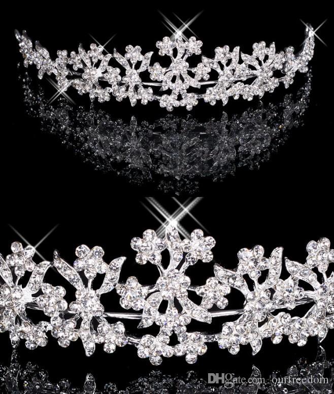 Hair Tiaras In Stock Cheap Diamond Rhinestone Wedding Crown Hair Band Tiara Bridal Prom Evening Jewelry Headpieces 18027