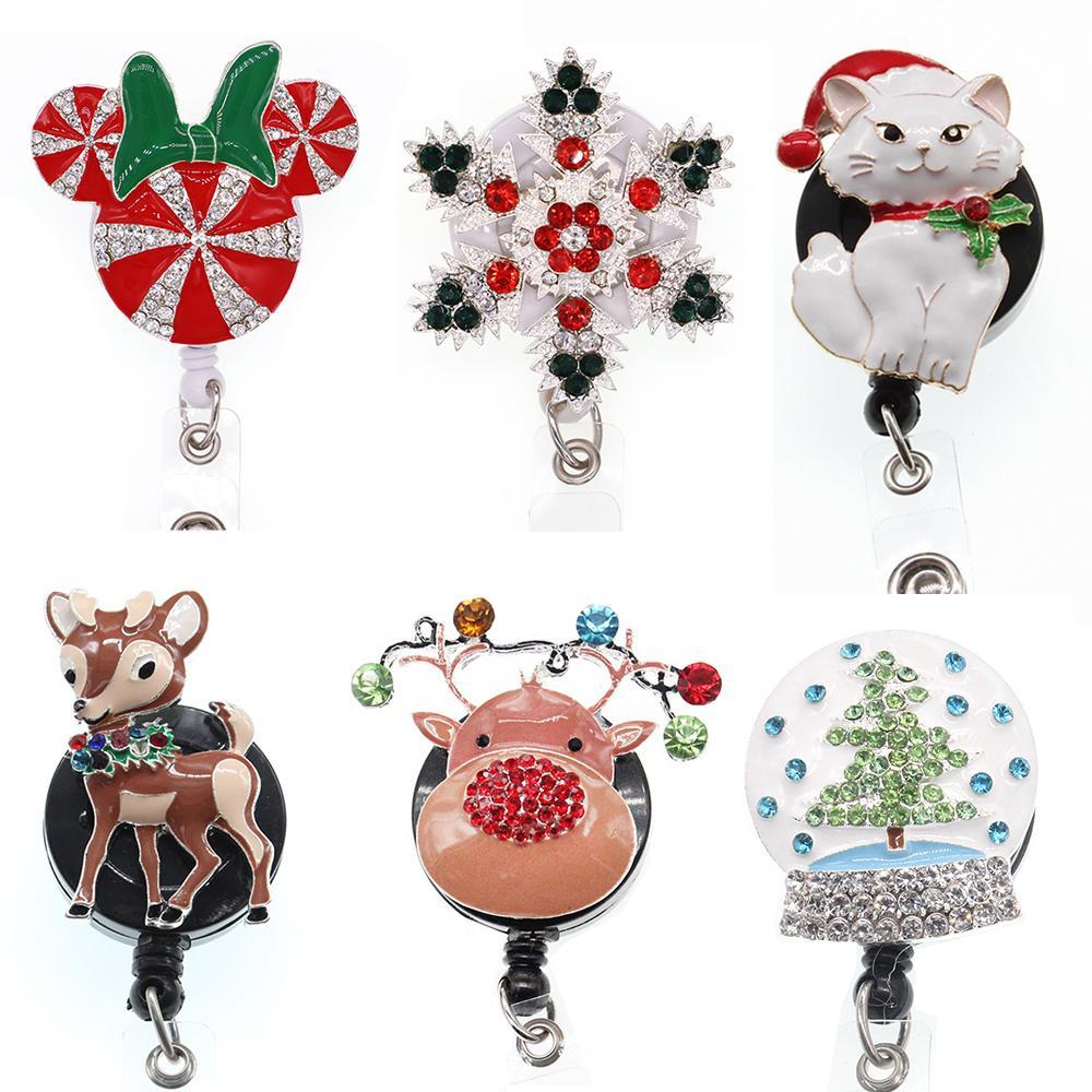 Anahtar Yüzükler Rhinestone Noel Ağacı / Kedi / Geyik / Kar Tanesi Metal Rozeti Makara Xmas Hediye Için Geri Çekilebilir Kimlik Tutucu