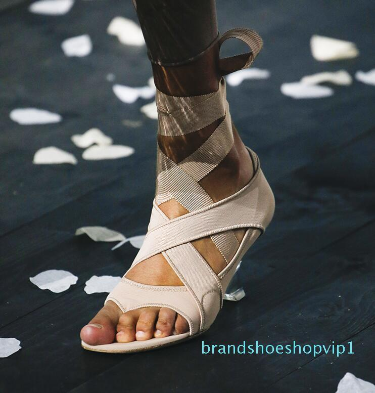Sıcak satış-Bej Siyah Garip Temizle Topuk Sandalet İpek Bandaj Flip Flop Anormal Topuklar Gladyatör Lace Up Sandalet Parti Ayakkabı Kadınlar