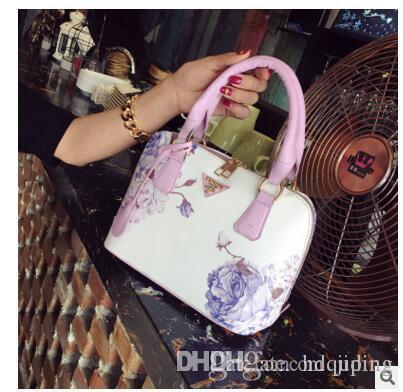 Bolsos de las mujeres estilo bolso de hombro original un bolso retro SAC al alto saco de lujo de lujo de China China Diseñador Bolsa de concha al por mayor- Mano qua qpnk