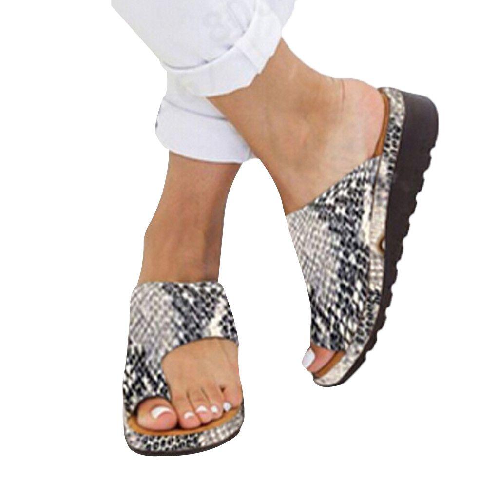 Zapatillas mujer de los zapatos de la sandalia de fondo grueso zapatos de cuña sandalias de tacón clip del dedo del pie de playa del verano zapatos del diseñador deslizadores de las mujeres de lujo