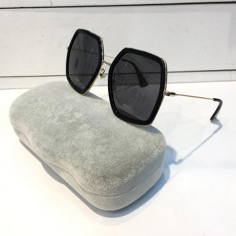 Mode 0106s Frauen Sonnenbrille Square Große Rahmen Sommer großzügige Stil Gläser Mischfarbe Rahmen Top Qualität UV-Schutz Beliebt 0106
