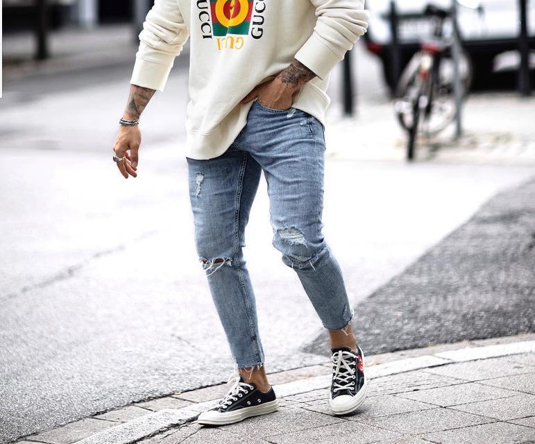 Sommer-beiläufige mittlere Taillen-Jeans Herren Kleidung Herren Designer Loch Burrs Reißverschluss-Bleistift-Hosen-dünne Gewaschene