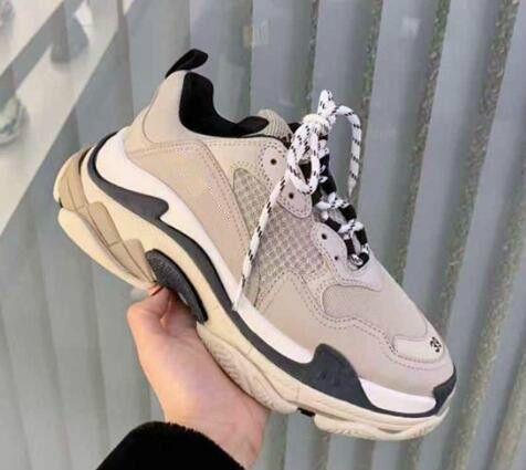 Gris claro Lujo Triple S diseñador baja, hacen de la zapatilla de deporte Antiguo Combinación las plantas del pie Botas para mujer para hombre Zapatos de calidad superior Deportes Chaussures zapato casual