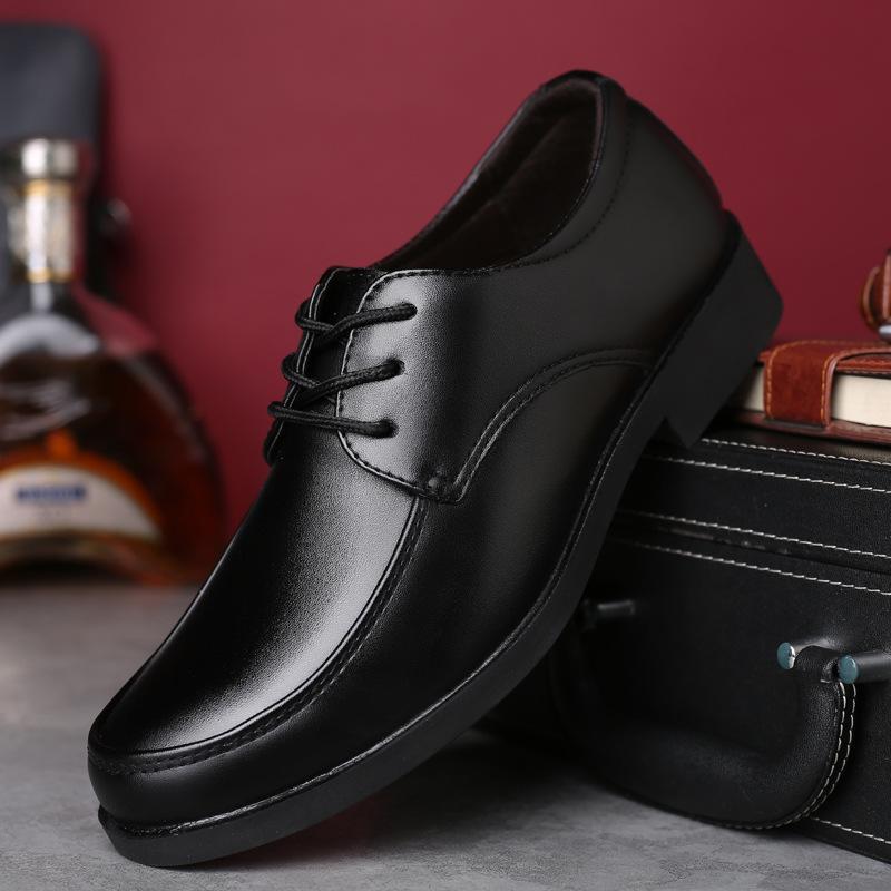 2018 nuevos hombres negros zapatos formales otoño invierno hombres zapatos de vestir de marca de cuero clásico de negocios caballero tamaño grande
