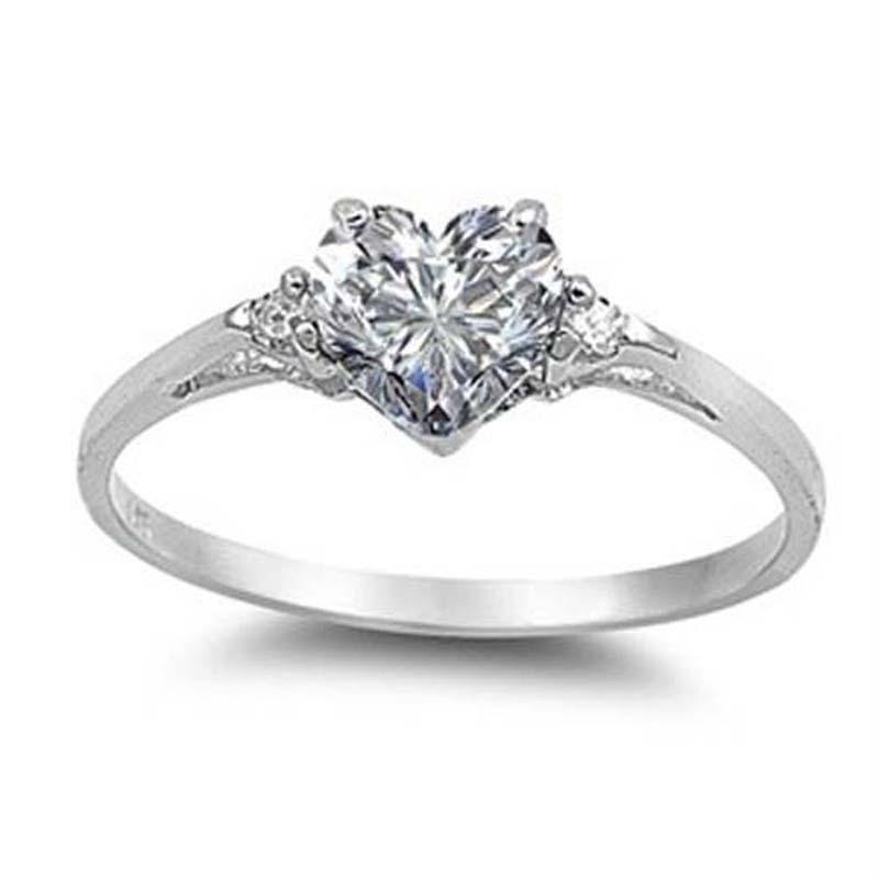 Heart Cut Love Style Jewelry Quartz White Gemstone Silver Fashion Ring