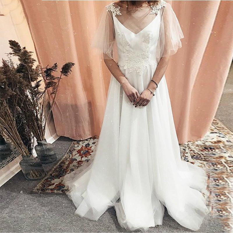 Romântico A Linha Boho casamento Vestidos de manga curta Lace Praia vestidos de noiva Tulle saia Backless varredura Tain vestido de casamento