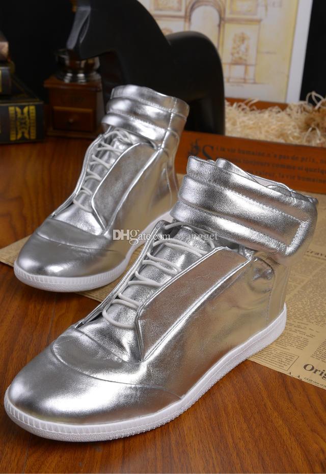 Alta Qualidade Colorida Alta Superior Sneaker Homem Sapatos De Andar De Andar De Andar Shoestrainers Kanye West Outdoors Sapatos Casuais 38-46
