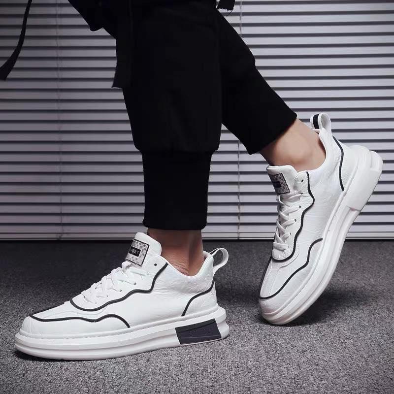 2020 neue Designer-Luxus-Serie Outdoor-Marke lederne Männer flache beiläufige Schuhe bequem und atmungsaktiv mit Kasten