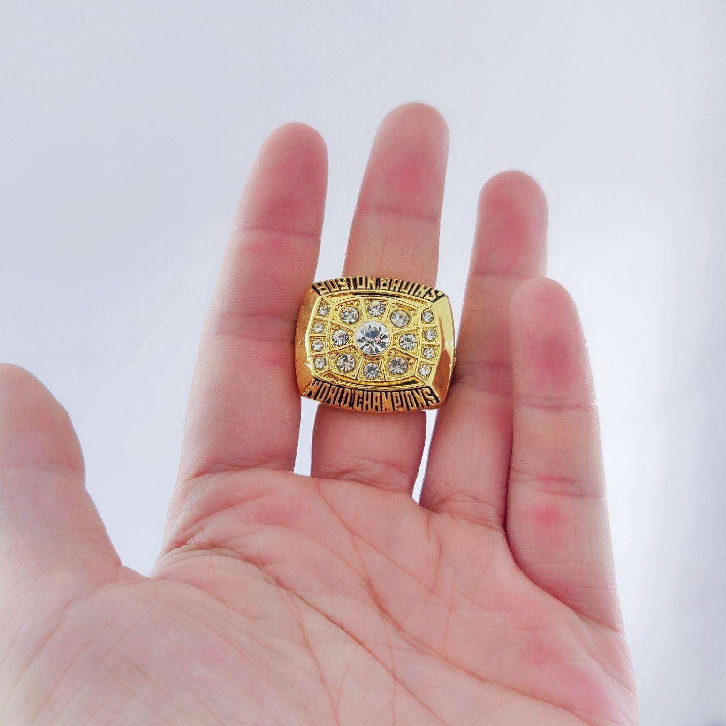 2019 all'ingrosso BOSTON 1972 BRUINS STANLEY CUP CHAMPIONSHIP RING Souvenir Men Fan regalo Drop Shipping