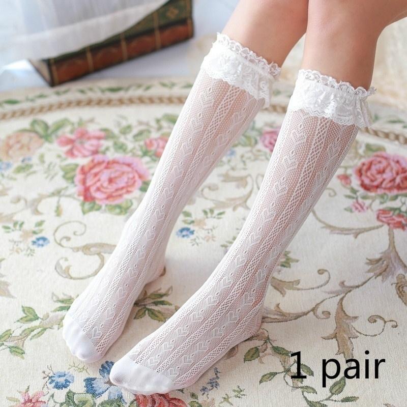 1 pair Il nuovo pizzo belle ragazze Calzini dolce morbido Donne calzini bianchi StockingsKnee Alta ginocchio