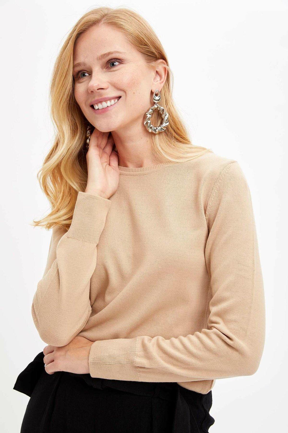 DeFacto Женщина Осень Вязаный пуловер O-образный вырез Solid Color Top Тис Женщина с длинным рукавом Ткань Хлопок Повседневного Tops-F7091AZ19AU Y200110