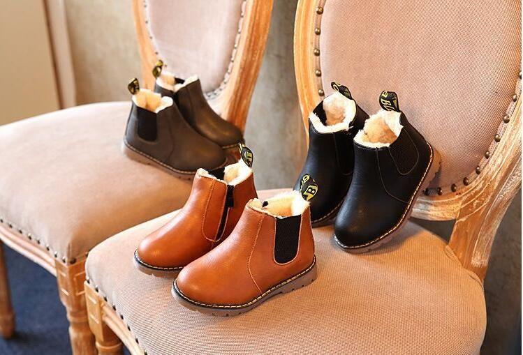 Chaussures Rétro enfants Automne et Hiver Martin Bottes en cuir Chaussures en coton pour enfants Black Shoes Tide