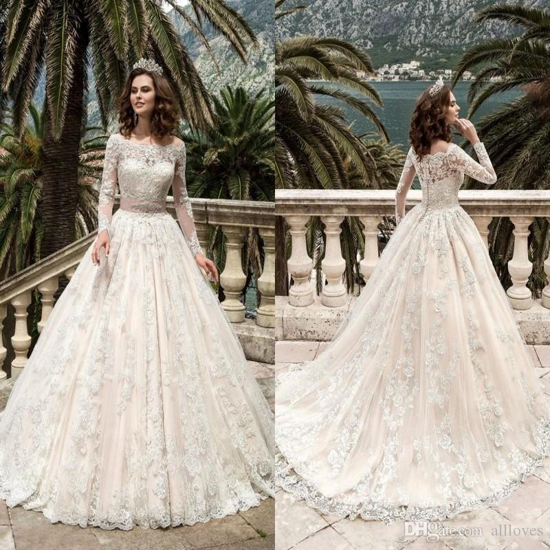 2020 Modest Ball Gown Vestidos de novia de manga larga Bateau Cristales Boho Beach Vestidos de novia Botones Back Sweep Train Vestidos De Novia AL4880