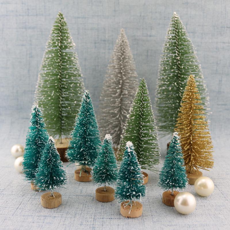 10pcs / lot decorativo de sisal seda pequeño árbol de Navidad en la torre de la nieve pino azul, oro, plata verde roja de mini árboles de Navidad