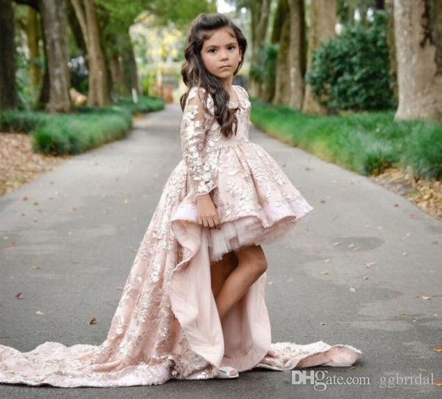 2019 neue High Low Langarm Blumenmädchenkleider V-ausschnitt Spitze Applique Girls Pageant Kleider Eine Linie Kinder Party Kleid