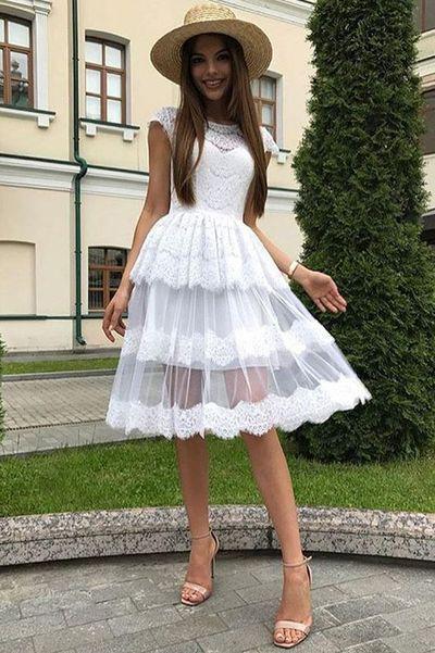 Manches courtes en dentelle Robes de mariée Longueur au genou Sheer Neck Cou Princesse Style De Pays De mariée Robes De Mariée 2020