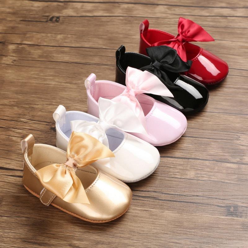 حار طفل بنات سرير أحذية حديثي الولادة لطيف الطفل أحذية عارضة بنات 6-12 شهور بنين BOWKNOT لينة وحيد عارضة